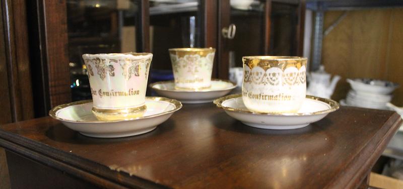 Porzellan und Tassen